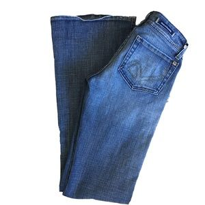 Rock & Republic low rise flare jeans 25 waist  33L